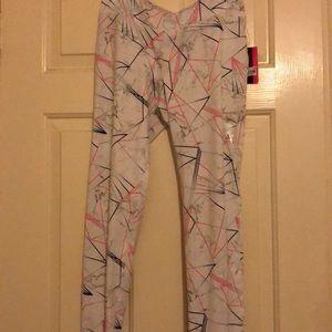 Active pattern leggings